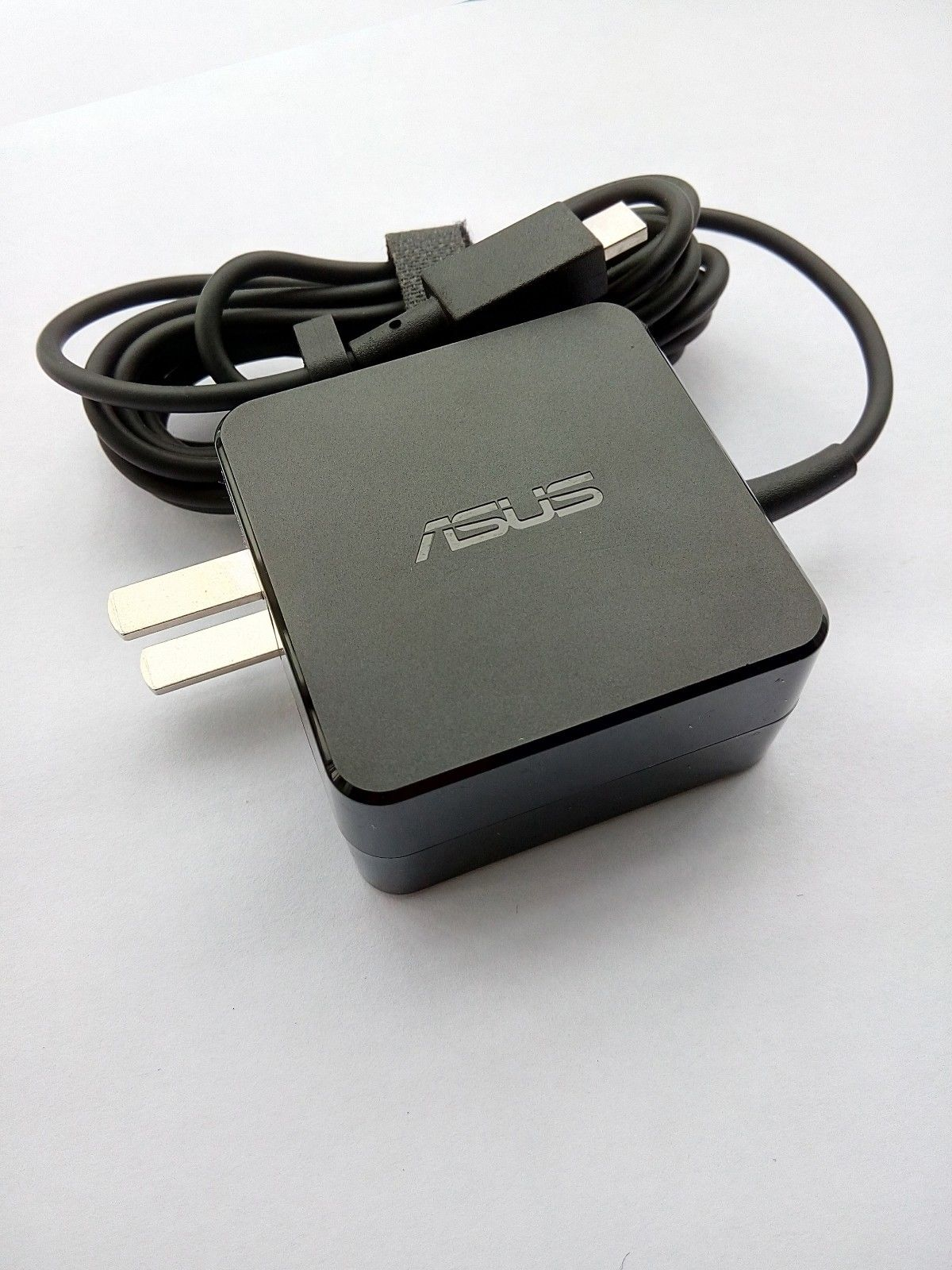 1.75A ASUS EeeBook X205T AD890526 Chargeurs