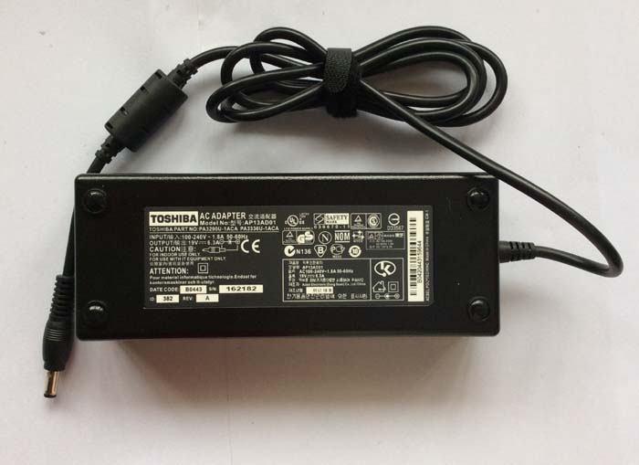 Chargeur Ordinateur Portable TOSHIBA Satellite P200-1KN
