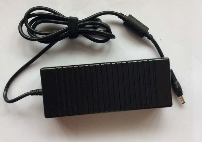 Chargeur Ordinateur Portable TOSHIBA Satellite A200-1VP